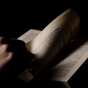 iPhone&Kindleアプリの読書環境が快適すぎて紙の本を買いたくなくなった