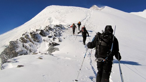 mountaineering-895659_1920