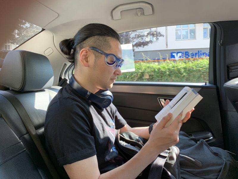 乗り物酔いに効く画期的なメガネ「シートロエン」 4